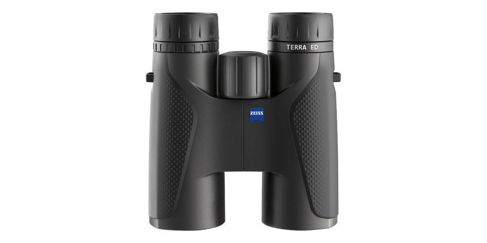 Zeiss Terra ED 8x42 has a compact design and weighs little