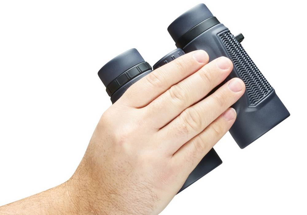 The Bushnell H2O's rubber armor helps you have a better grip on them