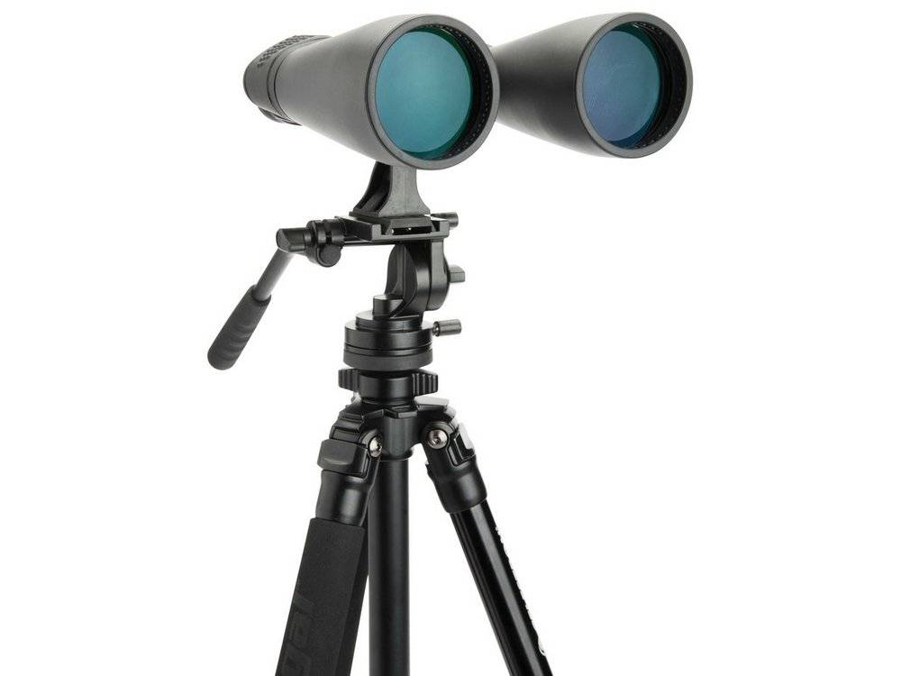 Celestron 71009 SkyMaster Giant 15x70 is heavy, you need a tripod to use it
